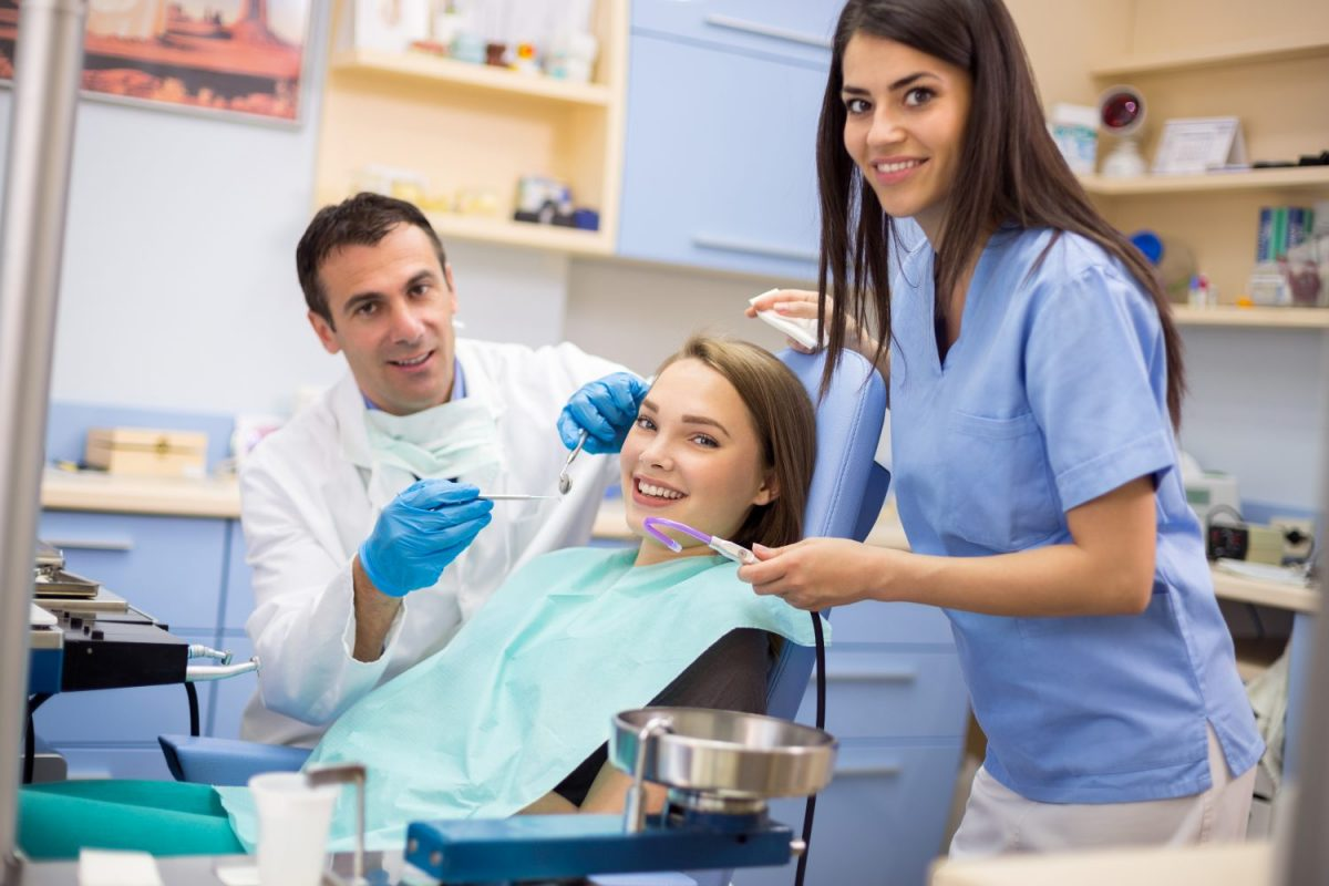 bigstock-Girl-at-dentist-in-dentist-cli-118390988-1200x800.jpg